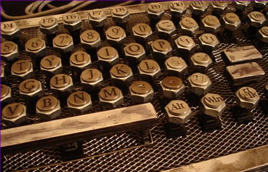 Retro Thing: Build Your Own Retropunk Keyboard