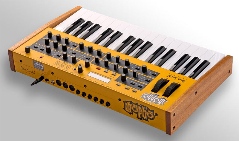 retro thing dave smith 39 s blinding mopho synthesizer. Black Bedroom Furniture Sets. Home Design Ideas
