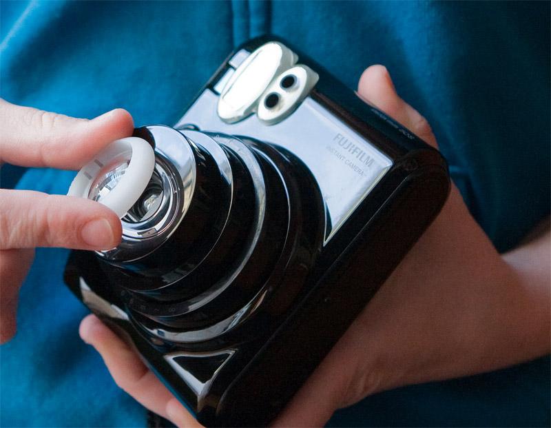 Snap-on macro lens