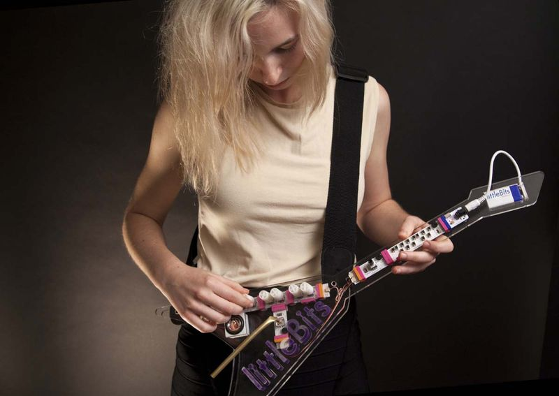 Littlebits-keytar-woman
