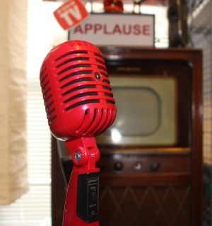 Retro Thing Budget Quot Vintage Quot Microphone In Classic Retro Red