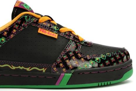 Galaga footwear
