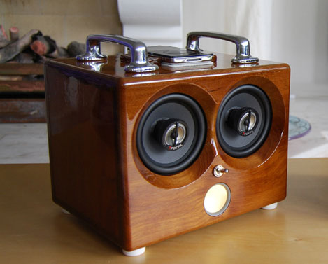 Retro Thing: Thodio: Exquisite Wooden iPod Docks